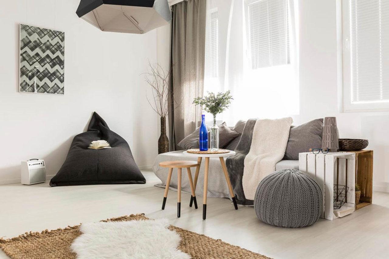 Łóżko z palet jako element skandynawskiej aranżacji